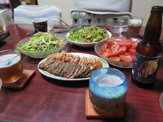 ミミガー,トマト,空豆とアスパラの豚肉炒め,合鴨燻製,日光ぺーるえーる