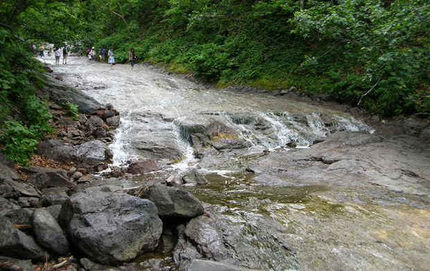 201607カムイワッカ湯の滝
