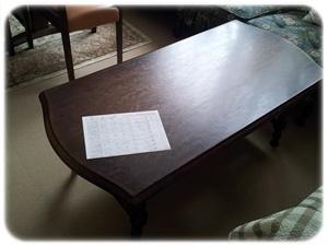 仮置き場のサイドテーブル