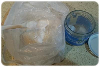 ココナッツオイル捨てるスプーン