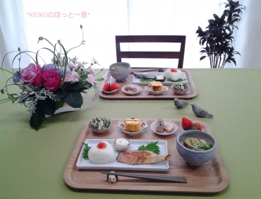 塩鮭定食と豆皿