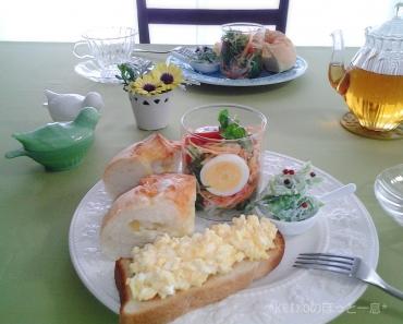 美味しい紅茶とグラスサラダのせワンプレート2