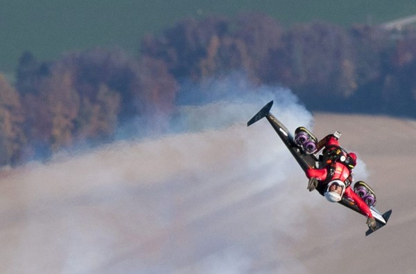 Jetman-Yves-Rossy-600x396.jpg