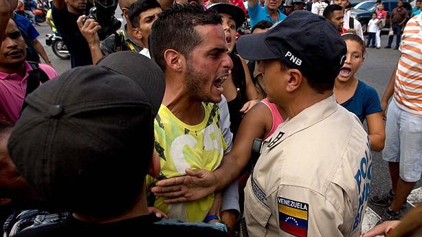 venezuela-june-20-16_wide-2473b27befc3fe33d6e1f8c2ad9a96a7cfc08ac5_t614.jpg