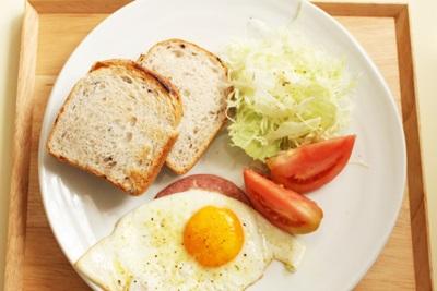 朝ごはん パン