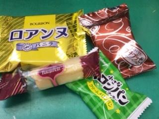 昼休みのお菓子