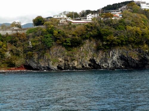 真鶴 岩海岸 海食洞