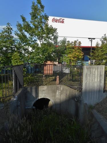 旧トンネ川 コカコーラ工場内 暗渠