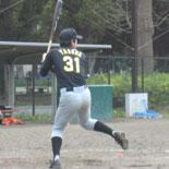 5回裏、安田がチーム初安打を放つ