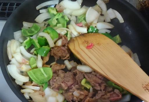 牛肉炒め1