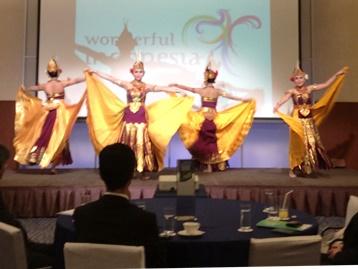 極楽鳥 舞踊団