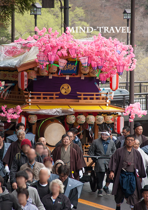 弥生祭 花家体 観光客もひきます。