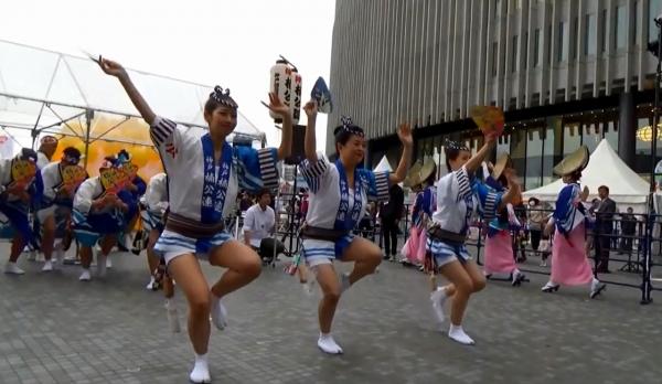神戸楠公連 うめきたフェスティバル2016 阿波踊り 女法被踊り