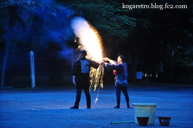 お雀神社で手筒花火