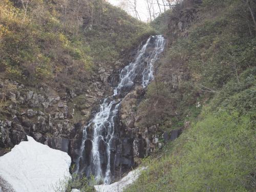 残雪の白滝