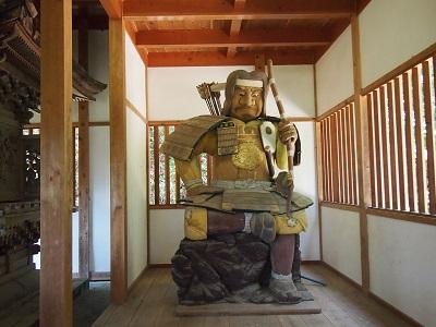 為朝神社の為朝像