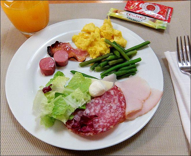 朝食ローマ6