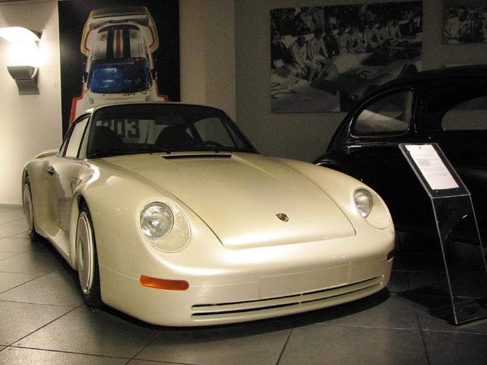 Porsche_959_Concept_Car_Gruppe_B_1983.jpg