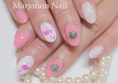 横浜 ネイル ピンク &ホワイト ワンカラー 水面 ピンクフラミンゴアート