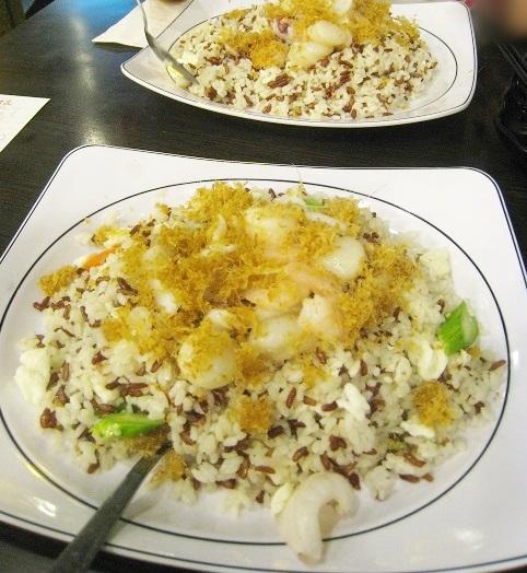 魚米 チャーハンw