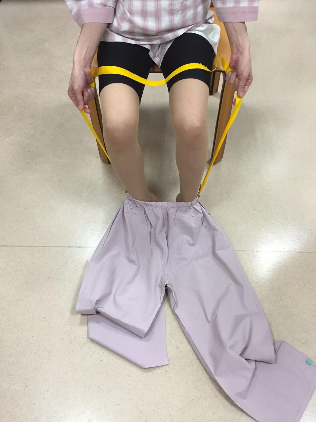 股関節手術後のズボンの履き方