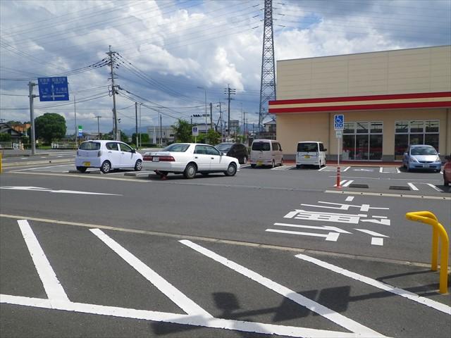 ちょっと違和感のある駐車場の様子