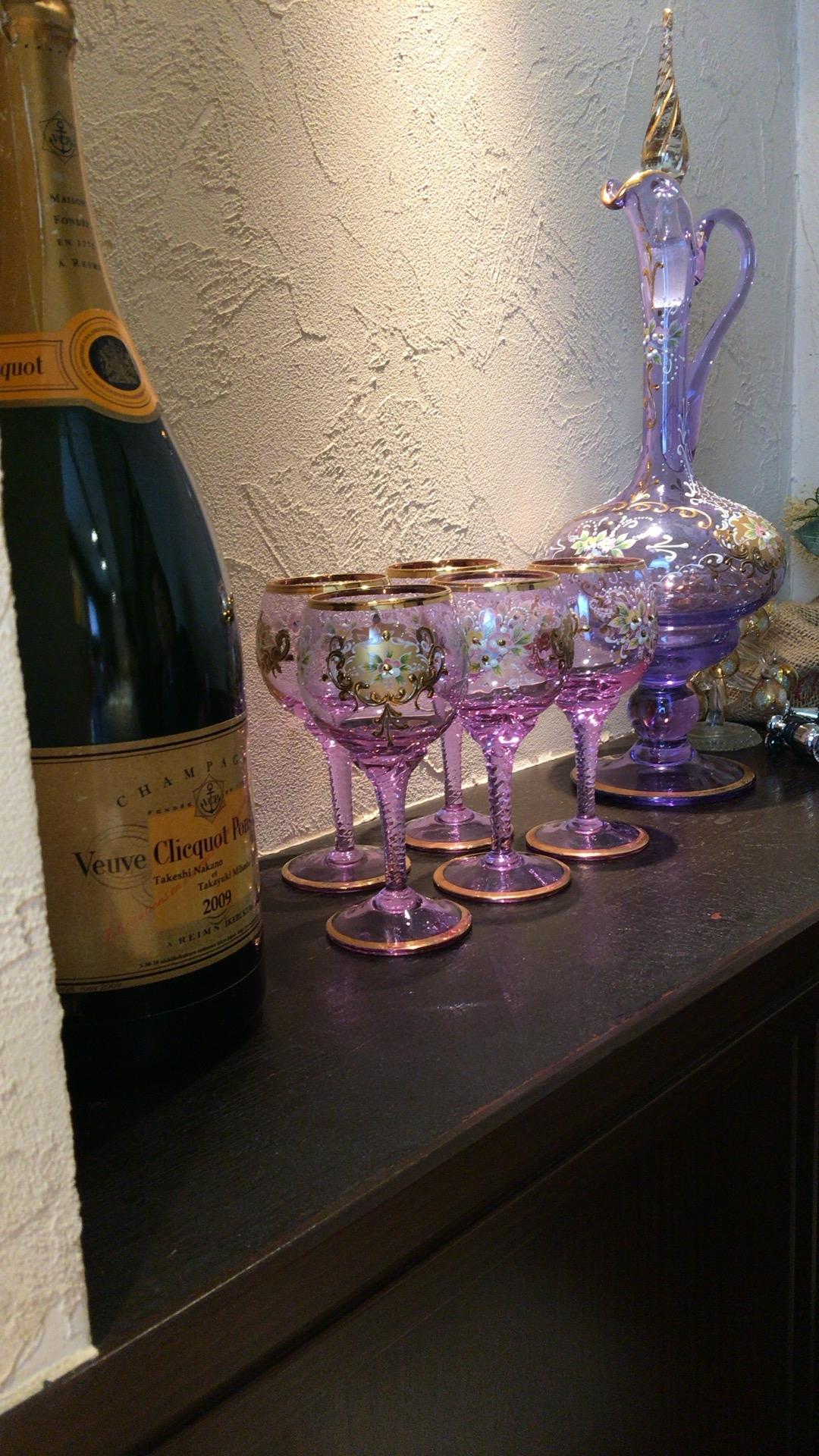 シャンパンのビッグボトル