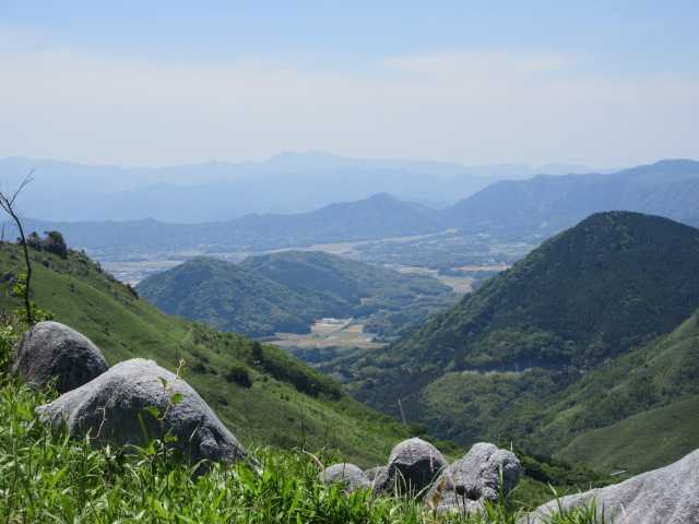 IMG2922JPG塔が峰と英彦山遠景