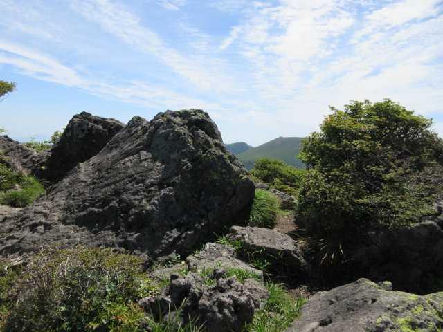 IMG3440JPG北峰ち思われる大岩