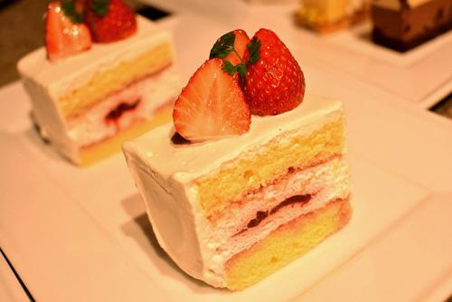 【ケーキ】アサコイワヤナギ「季節のショートケーキ」