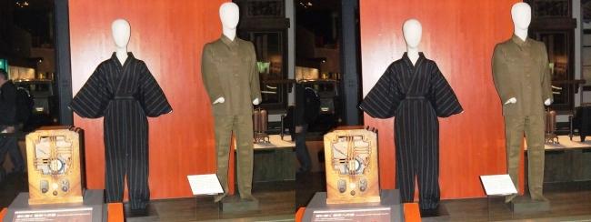 江戸東京博物館 戦時下の服装(交差法)