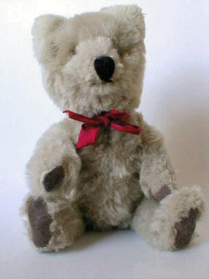 01a 300 teddy bear red tie