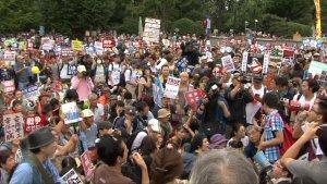 01b 300 安保法案反対デモ