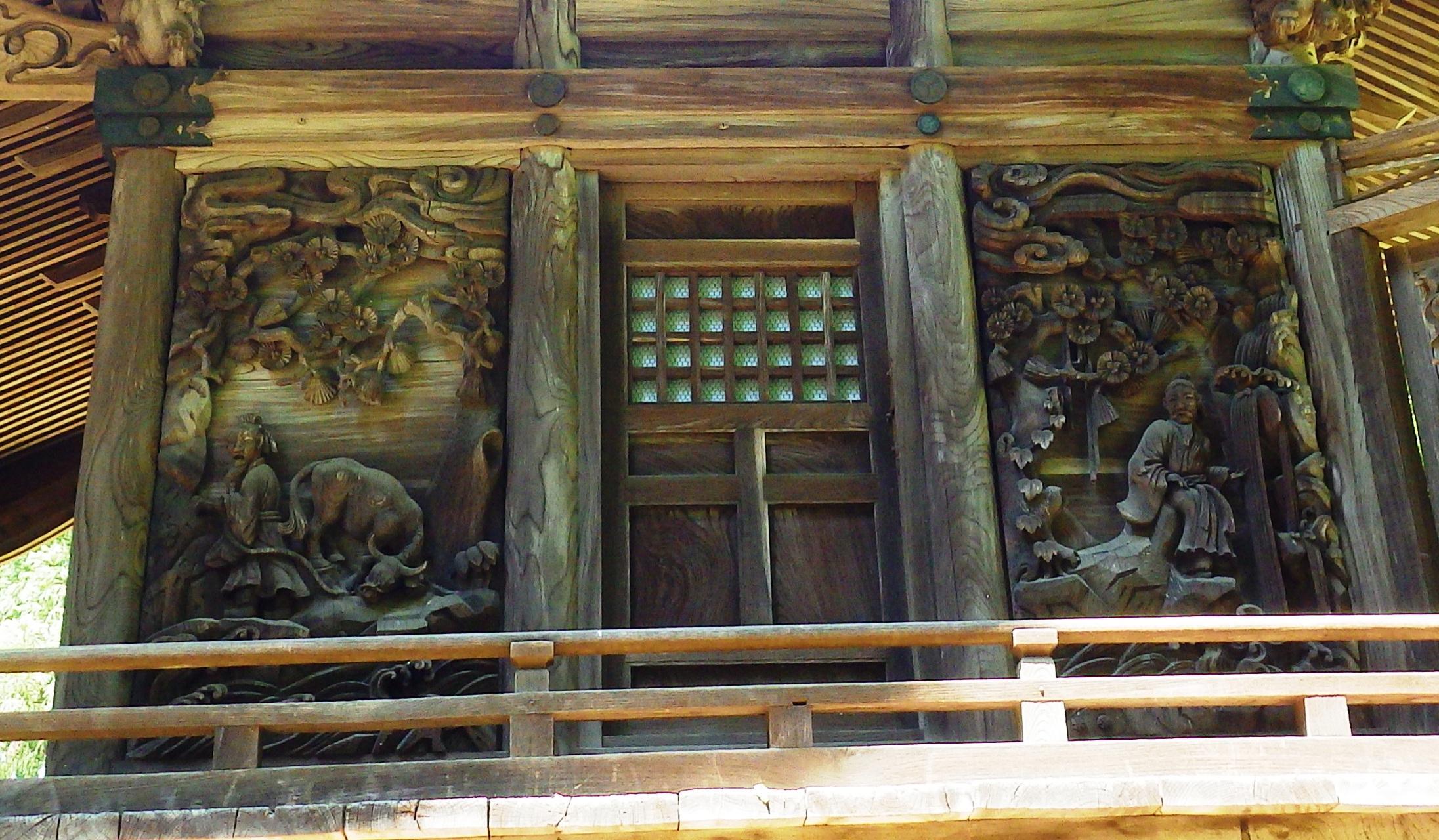 1126 壁面の彫刻