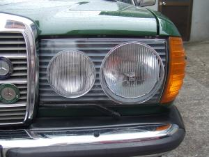 丸目ヘッドライト