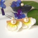 白い紫陽花のパールイヤリング(ピアス)