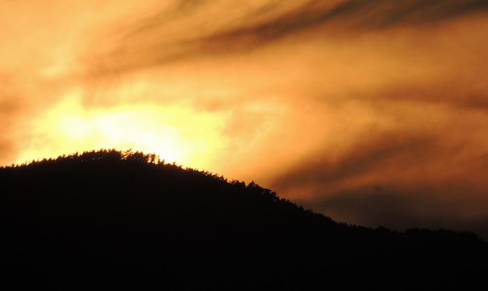 山で怖い思いをした話するわ、オカルト方向で