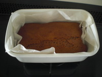 ホウロウ容器でパウンドケーキ