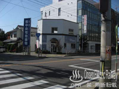 k_sanada_07_kitaoote-hanazono_cross_04.jpg