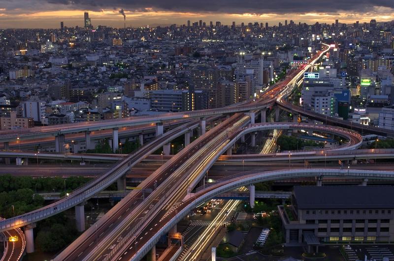 東大阪市役所から東大阪JCTの夕景