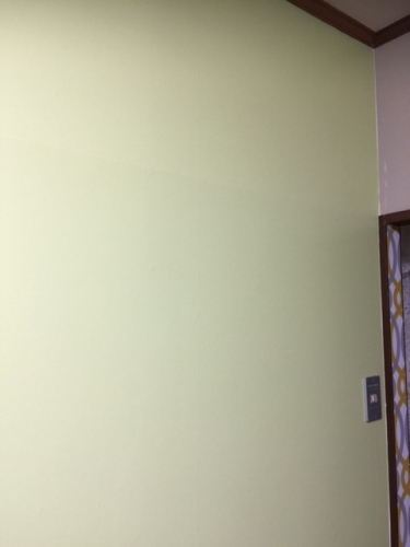 子供部屋壁グリーン