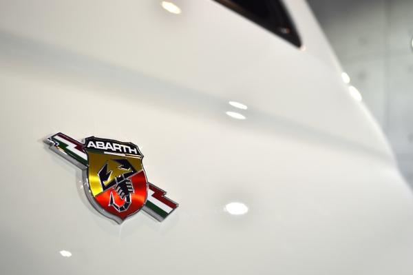 ABARTH-08.jpg