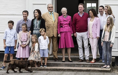 Danishroyalfamily-photocall.jpg