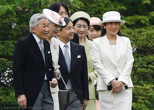 Japan-emperor2016.jpg