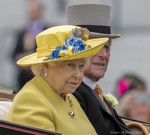 queen-royalascot2016.jpg