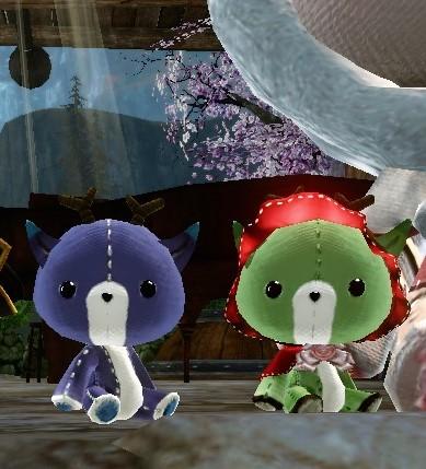 報酬のヌイグルミ(右)赤帽子のエルク緑