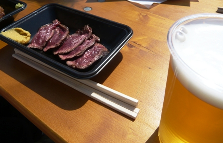 肉フェス:ハラミのレアステーキ2