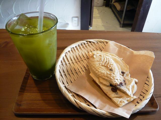 葵堂:たい焼き、緑茶セット