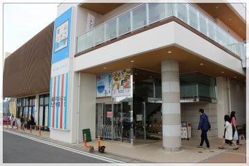 H28042416Tateyama Nagisa Cafeteria