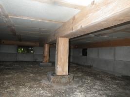 増築の床下